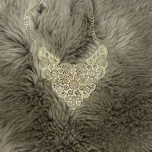 Jewelry - Silver floral statement necklace